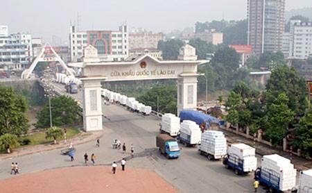 Lao Cai : l'import-export bat toujours son plein