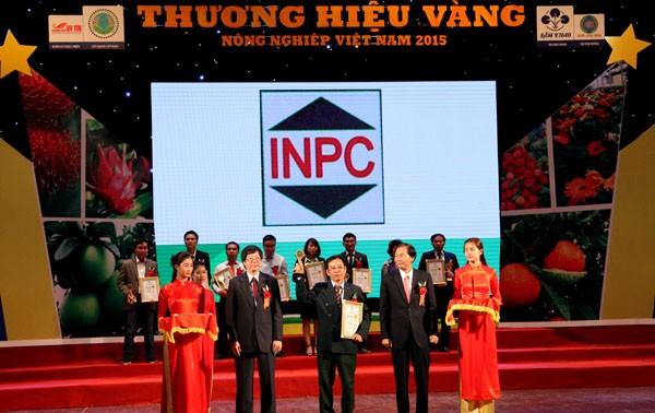 Honorer les labels d'or de l'agriculture vietnamienne