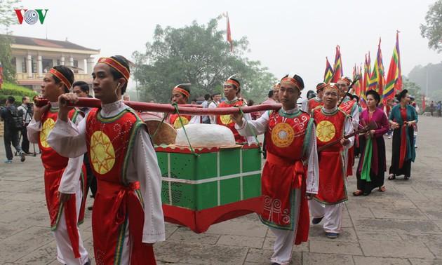 Célébration solennelle du culte des rois Hùng