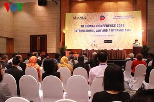 Le droit international et une Asie dynamique