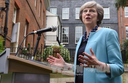 """Tusk plaide pour un """"divorce de velours"""" auprès de Theresa May"""