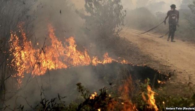 Indonesia membuka kampanye paling besar untuk memadamkan kebakaran hutan