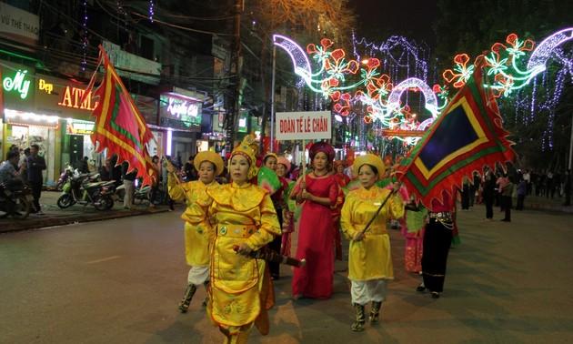 Pesta kebudayaan Le Chan-Tanda penghubung antara tradisional dan modern