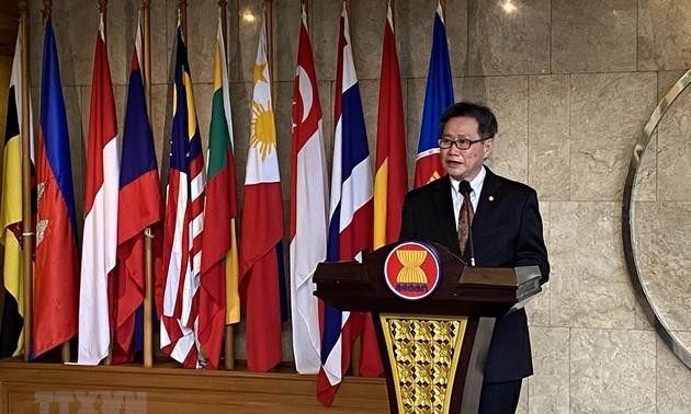 Dua puluh lima tahun Viet Nam masuk ASEAN: Viet Nam memberikan sumbangan positif kepada proses integrasi dan pembangunan Komunitas ASEAN