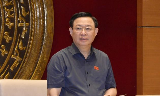 Ketua MN Vuong Dinh Hue: Legislatif Melayani Penegakan Pembangunan