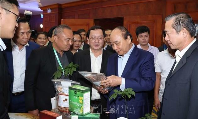 Primer ministro vietnamita aplaude la inteligencia y la creatividad de la joven generación