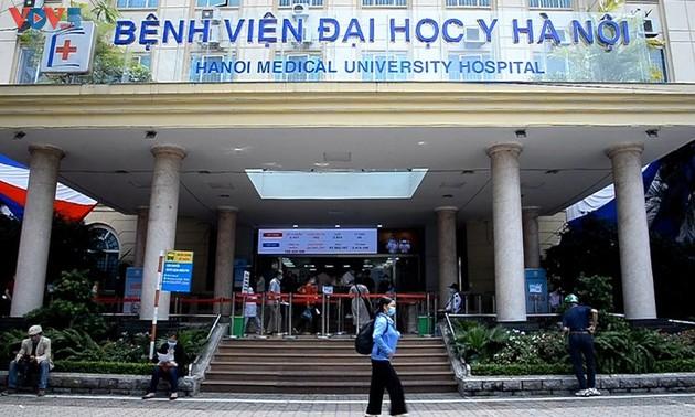 Un Truong Sa en el Hospital de la Universidad de Medicina de Hanói