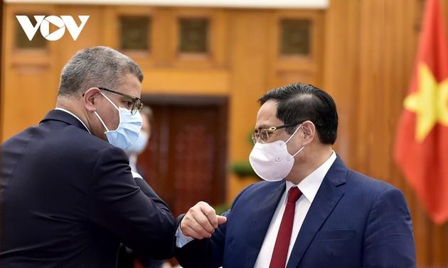 Primer ministro de Vietnam se reúne con el presidente de la Conferencia de COP-26