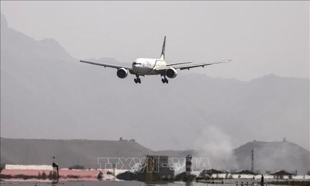 Talibanes piden la reanudación de vuelos internacionales