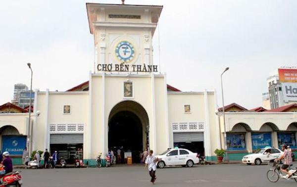 Mengunjungi pasar Ben Thanh di kota Ho Chi Minh