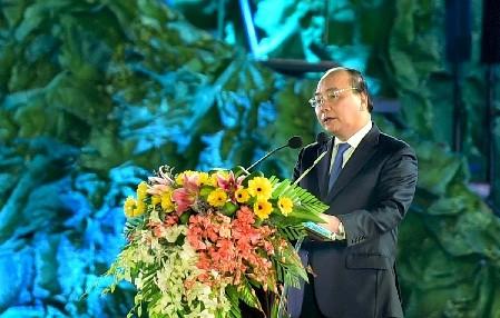 PM Vietnam Nguyen Xuan Phuc menghadiri acara pembukaan Festival  Kopi Buon Me Thuot yang ke-6 dan  Festival Budaya Gong dan Bonang Daerah Tay Nguyen
