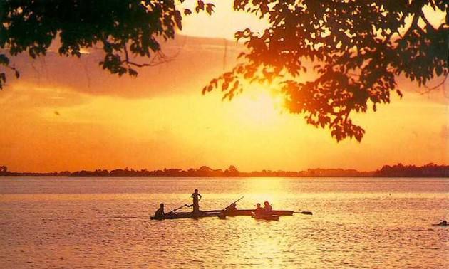 Danau Tay-destinasi wisata yang menarik di tengah-tengah Kota Ha Noi