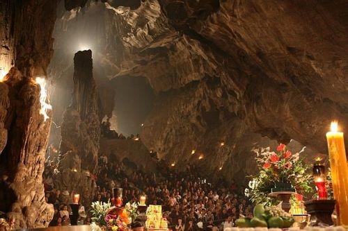 Pagoda Huong sama sekali bisa  menjadi aksentuasi dalam perjalanan  mengkonektivitaskan pusaka