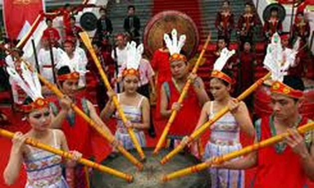 Hung Kings' worship day honors tradition of remembering the source of the water we drink