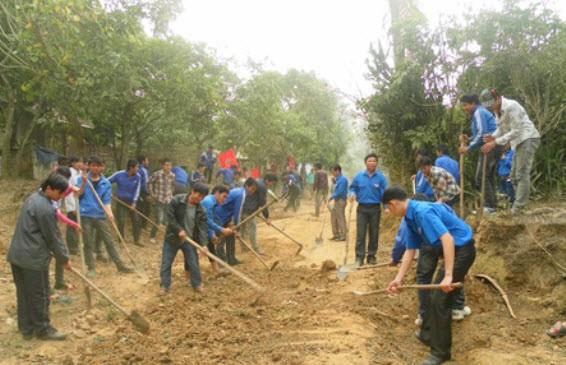 Young volunteers contribute to new rural development programs