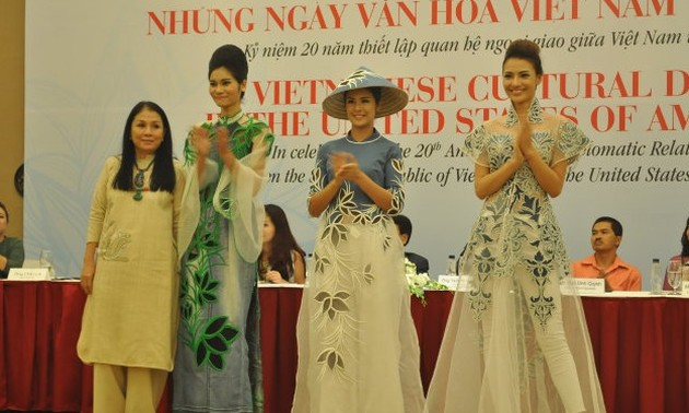 Vietnamese fashion show to be held in the US