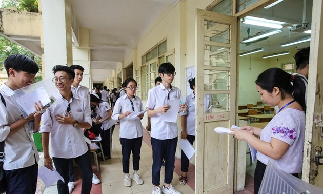 Nearly one million students begin national high school exam