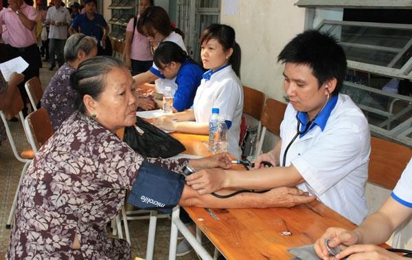 Favoriser le développement de l'Association de l'éducation et des soins de la santé communautaire