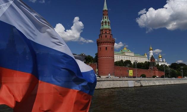 """La Russie réfute l'accusation de vouloir relancer une """"course aux armements"""""""