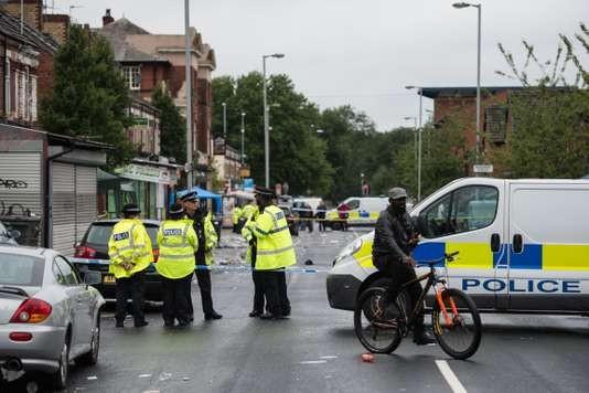 Dix blessés dans une fusillade à Manchester, en Angleterre