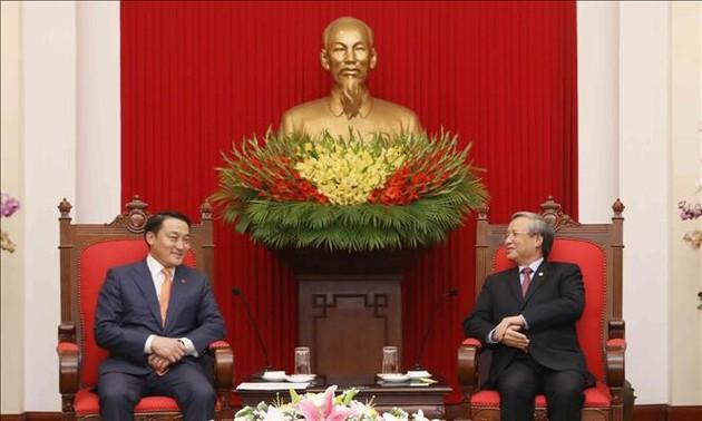 Promouvoir les relations Vietnam-Mongolie