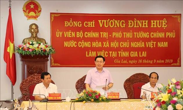 Vuong Dinh Huê en déplacement à Gia Lai
