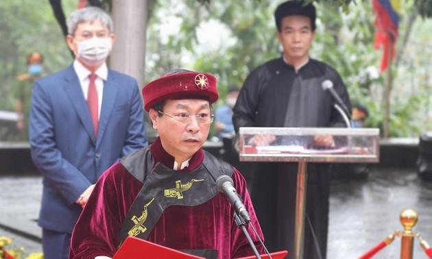 La fête des rois Hùng en pleine crise de coronavirus : seule la cérémonie d'offrande d'encens a lieu