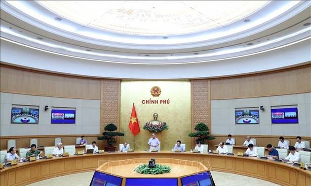Nguyên Xuân Phuc : Le Vietnam doit maintenir un niveau de vigilance élevé face au Covid-19