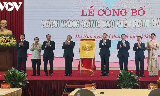 Publication du Livre d'or sur la créativité du Vietnam en 2020