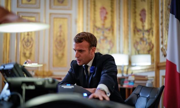 Premier entretien téléphonique entre Emmanuel Macron et Joe Biden