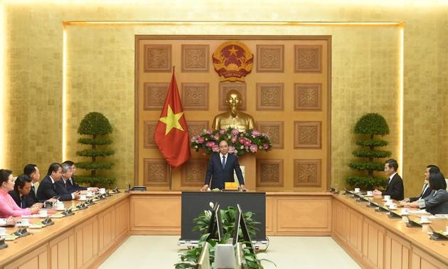 Nguyên Xuân Phuc reçoit des représentants de la VASEAN
