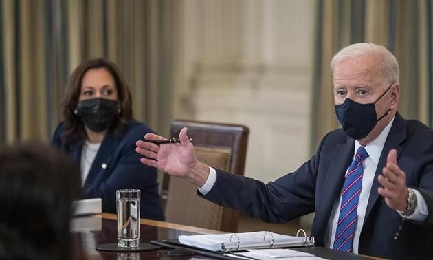 Joe Biden charge Kamala Harris de la gestion de la crise des migrants