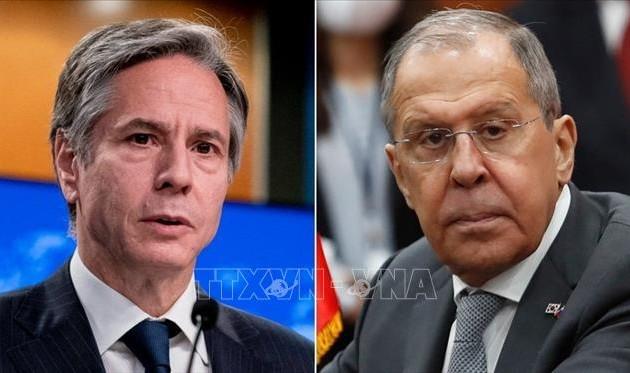 Blinken et Lavrov prônent la coopération pour apaiser des relations américano-russes tendues à l'extrême
