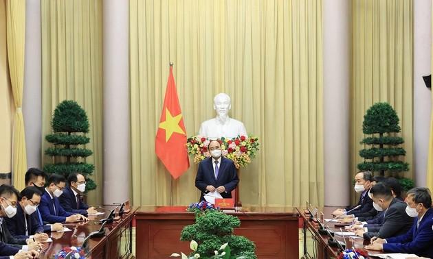 Les entreprises sud-coréennes soutiennent le Fonds de vaccination anti-Covid-19 du Vietnam