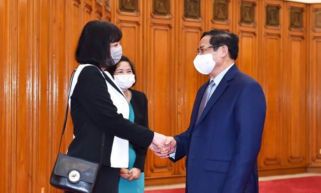 Pham Minh Chinh reçoit l'ambassadrice de Roumanie au Vietnam
