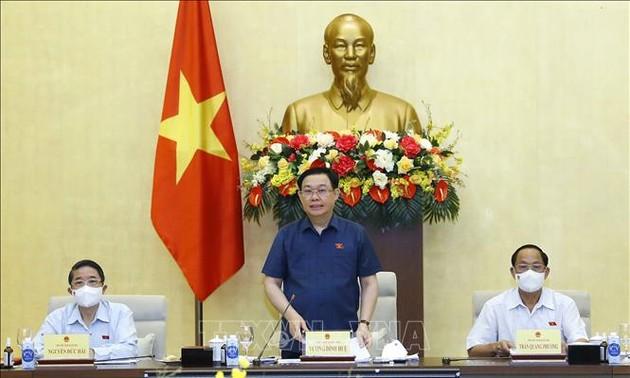 Vuong Dinh Huê demande d'exécuter de manière flexible le programme de supervision