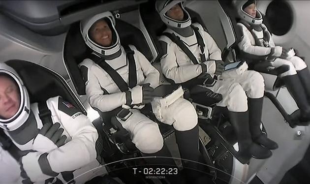 Les quatre passagers de SpaceX de retour sur Terre après trois jours dans l'espace