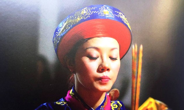 Photographer Tewfic El-Sawy on hầu đồng, a practice of spirit mediumship in Vietnam