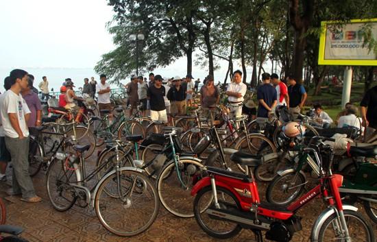 Mengayuh sepeda lama dan mengenangkan kota Hanoi dulu
