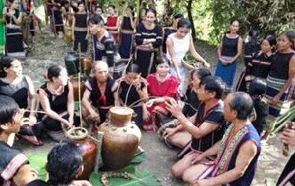 Upacara syukuran di kalangna warga etnis Bana