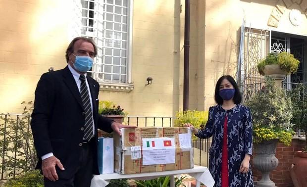 Vietnamesische Botschaft in Italien unterstützt das Gastland beim Kampf gegen Covid-19