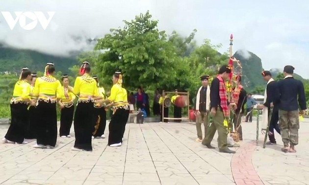 Hun-may – traditionelles Musikinstrument der Volksgruppe Khang in Quynh Nhai