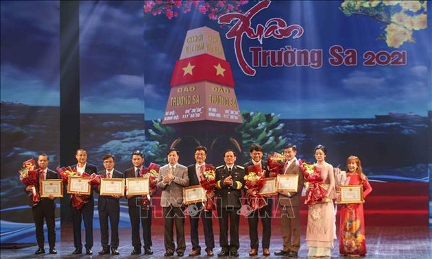 "Kunstprogramm ""Frühling auf Truong Sa"" 2021"