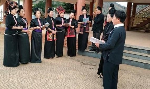 Die Volksgruppe der Thai im Dorf Hin bewahrt die Kulturwerte