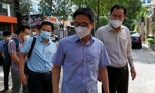 Vizepremierminister Vu Duc Dam überprüft Fürsorgezentrum von Ho-Chi-Minh-Stadt