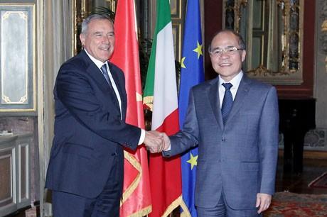 Aktivitas Ketua MN Vietnam, Nguyen Sinh Hung di Republik Italia