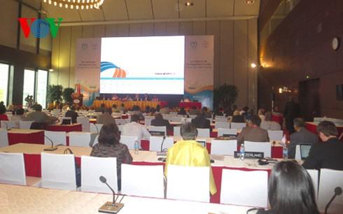 Semua prestasi dalam membela dan merawat kesehatan kaum wanita dan anak-anak yang telah dicapai Vietnam menerima penilaian tinggi dari para legislator internasional