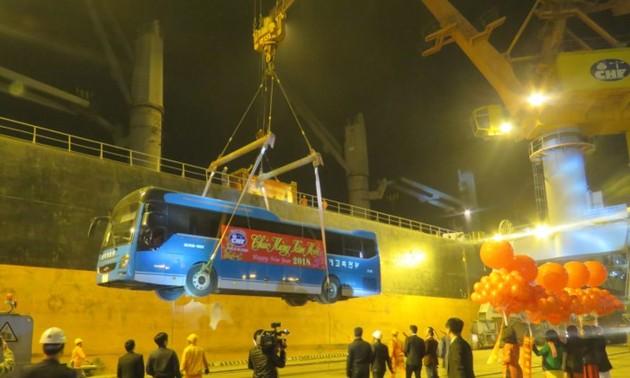Pelabuhan Sai Gon menyambut kapal kargo pertama tahun 2018