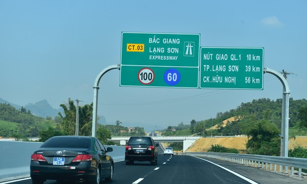 Pembukaan teknis jalan tol Bac Giang – Lang Son