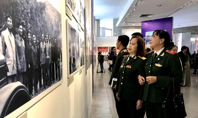 Pameran Hubungan Persahabatan Istimewa Vietnam – Laos – Pameran Memori Prajurit